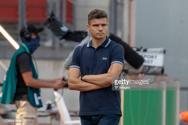 head coach Robert Klauss of 1FC Nuernberg during the DFB Cup first round match between 1 FC Nuernberg and RB Leipzig at MaxMorlockStadion on...