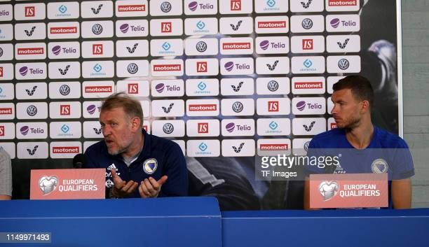 Head coach Robert Prosinecki of Bosnien Herzegowina looks on during the UEFA Euro 2020 Qualifier training session and Pressconference of Finland and...