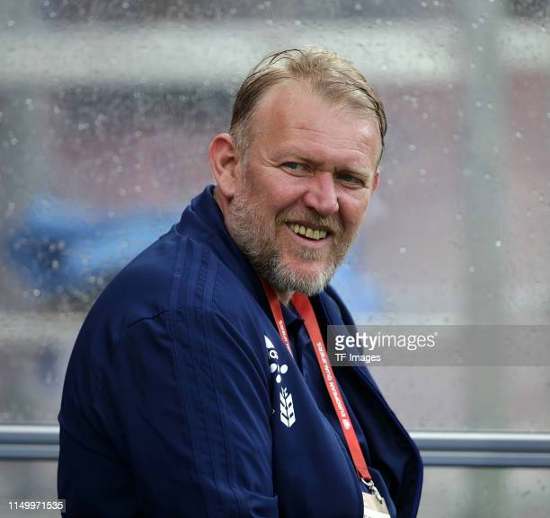 Head coach Robert Prosinecki of Bosnien Herzegowina looks on prior to the UEFA Euro 2020 Qualifier match between Finland and Bosnien Herzegowina at...