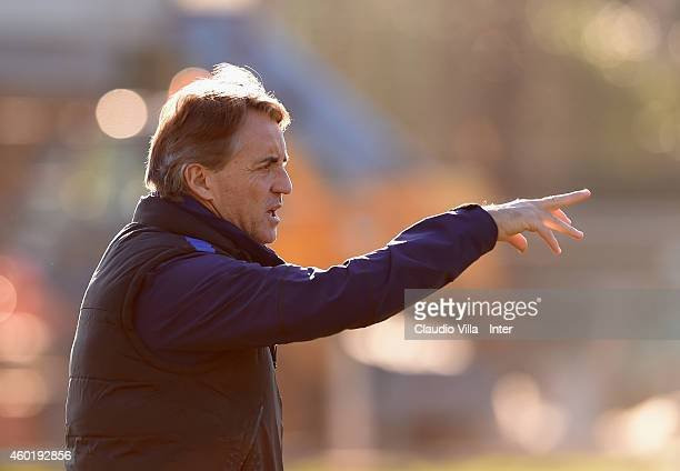Head coach Roberto Mancini during an FC Internazionale Training Session at Appiano Gentile on December 09 2014 in Como Italy