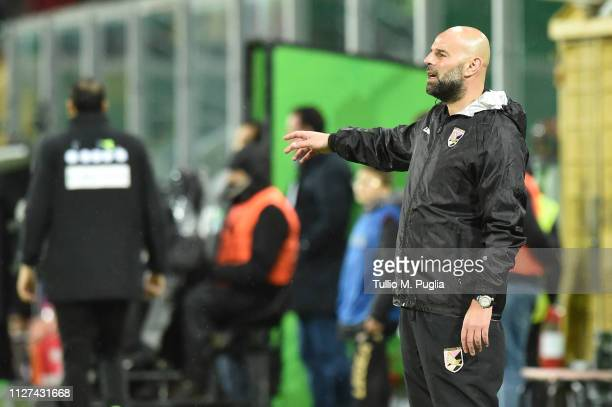 Head coach Roberto Stellone of Palermo issues instructions during the Serie B match between US Citta di Palermo and Foggia at Stadio Renzo Barbera on...