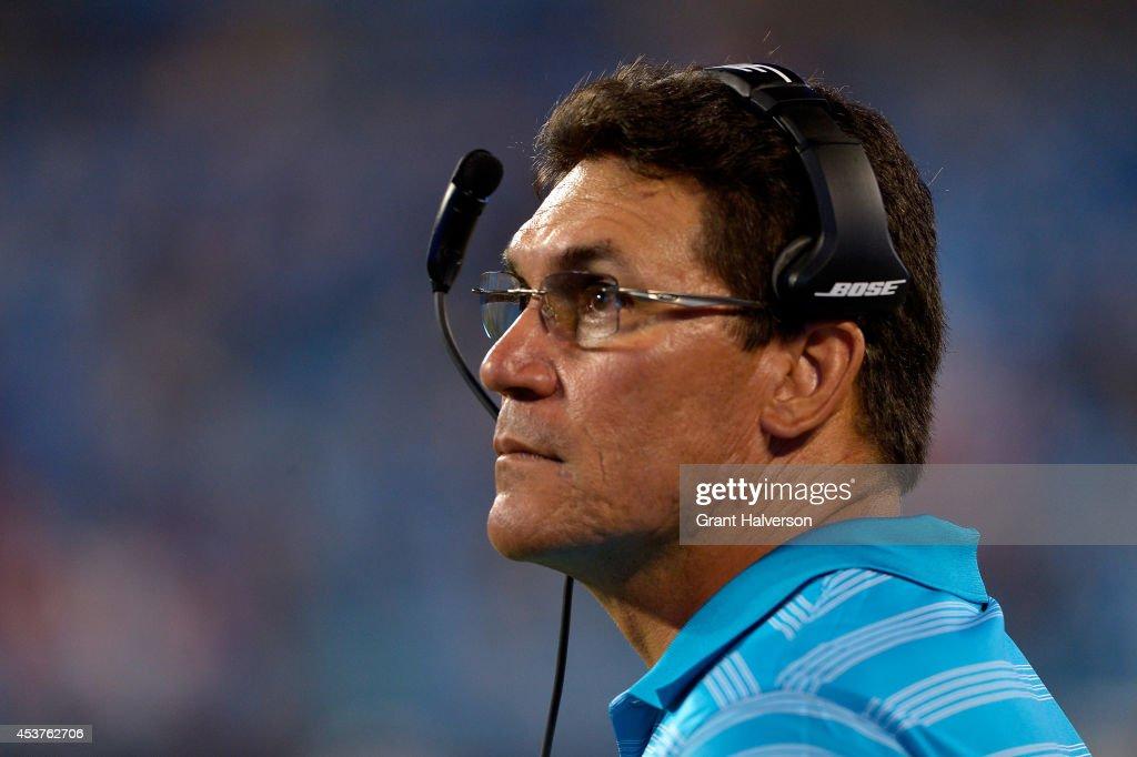 Kansas City Chiefs v Carolina Panthers : News Photo