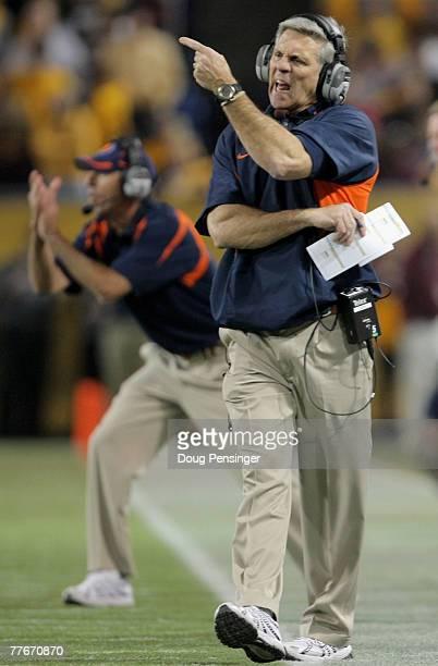 Head coach Ron Zook directs the Illinois Fighting Illini against the Minnesota Golden Gophers at the Hubert H Humphrey Metrodome on November 3 2007...