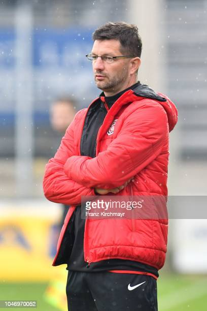 Head coach Ronald Brunmayr of Juniors OOe during the 2 Liga match between FC Juniors OOe v FC Blau Weiss Linz at TGW Arena on October 7 2018 in...