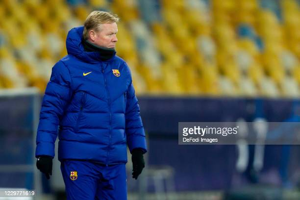 Head coach Ronald Koeman of FC Barcelona looks on during the UEFA Champions League Group G stage match between Dynamo Kyiv and FC Barcelona at NSC...