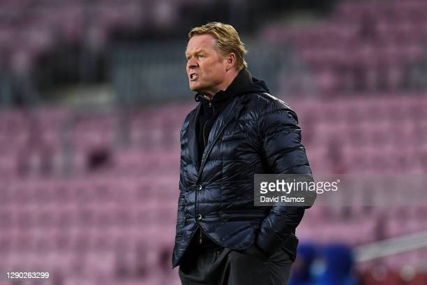 Head coach Ronald Koeman of FC Barcelona reacts during the UEFA Champions League Group G stage match between FC Barcelona and Juventus at Camp Nou on...