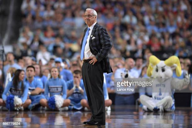 Head coach Roy Williams of the North Carolina Tar Heels reacts against the Gonzaga Bulldogs during the 2017 NCAA Men's Final Four Championship at...
