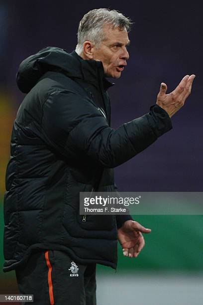 Head coach Ruud Dokter of Netherlands gives advice to his team during the U18 international friendly match between Germany and Netherlands at the...