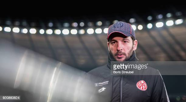 Head coach Sandro Schwarz of 1 FSV Mainz 05 looks on prior to the Bundesliga match between Hertha BSC and 1 FSV Mainz 05 at Olympiastadion on...