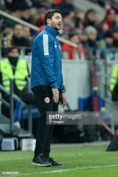 Head coach Sandro Schwarz of Mainz gestures during the Bundesliga match between 1 FSV Mainz 05 and FC Bayern Muenchen at Opel Arena on February 3...