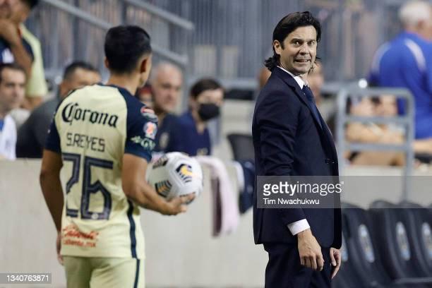 Head coach Santiago Solari of Club America looks towards Salvador Reyes against Philadelphia Union during the semifinal second leg match of the...