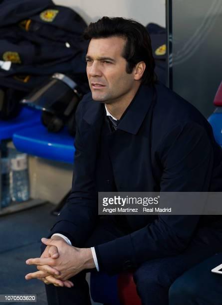 Head coach Santiago Solari of Real Madrid looks on before the La Liga match between SD Huesca and Real Madrid CF at Estadio El Alcoraz on December 9...
