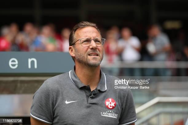 Head coach Sascha Hildmann of 1FC Kaiserslautern looks on ahead of the 3 Liga match between 1 FC Kaiserslautern and SpVgg Unterhaching at...