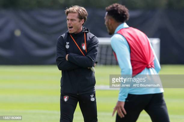 Head Coach Scott Parker of Bournemouth gives instructions during a pre-season training session at Vitality stadium on August 03, 2021 in Bournemouth,...