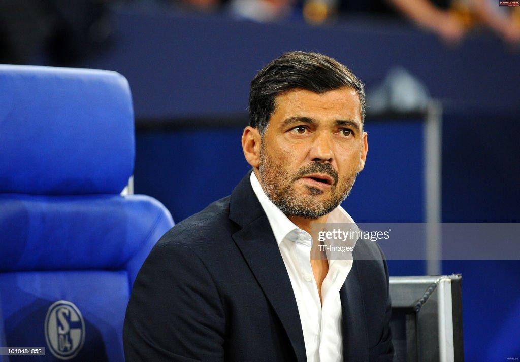 FC Schalke 04 v FC Porto - UEFA Champions League Group D : News Photo