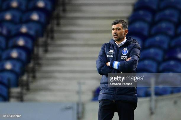 Head coach, Sergio Conceicao of FC Porto reacts during the Liga NOS match between FC Porto and SC Farense at Estadio do Dragao on May 10, 2021 in...