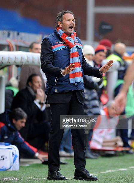 Head coach Sinisa Mihajlovic of Catania Calcio gestures to calm down his players during the Serie A match between Genoa CFC and Catania Calcio at...