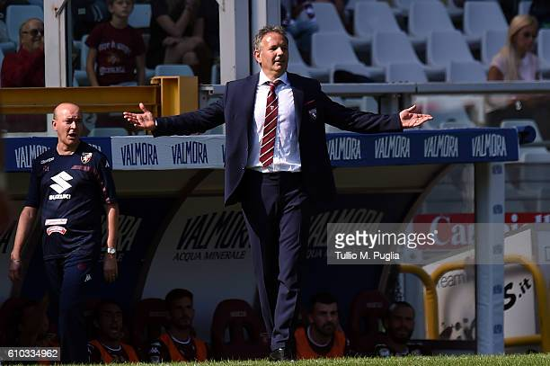 Head Coach Sinisa Mihajlovic of Torino issues instructions during the Serie A match between FC Torino and AS Roma at Stadio Olimpico di Torino on...