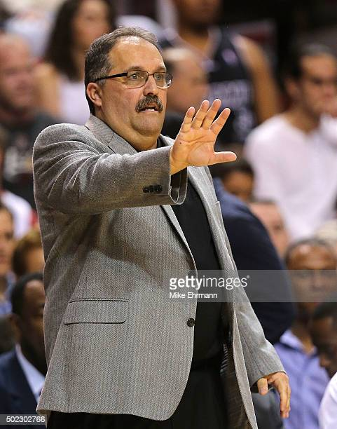 Head coach Stan Van Gundy of the Detroit Pistons calls a play during a game against the Miami Heat at American Airlines Arena on December 22 2015 in...