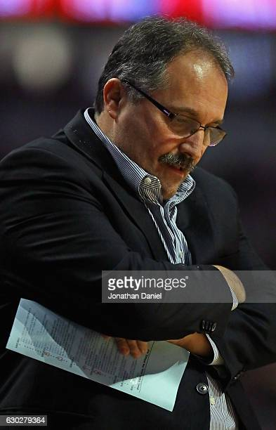 Head coach Stan Van Gundy of the Detroit Pistons reacts after hois team missed a shot against the Chicago Bulls at the United Center on December 19...