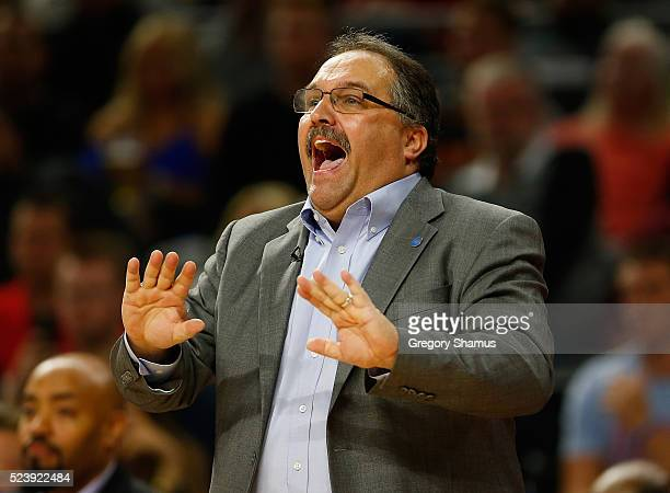 Head coach Stan Van Gundy of the Detroit Pistons yells from the bench while playing the Cleveland Cavaliers in game four of the NBA Eastern...