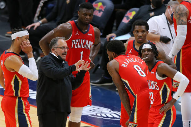 Head coach Stan Van Gundy of the New Orleans Pelicans talks to Naji Marshall, Kira Lewis Jr. #13, Eric Bledsoe, Zion Williamson and Josh Hart during...