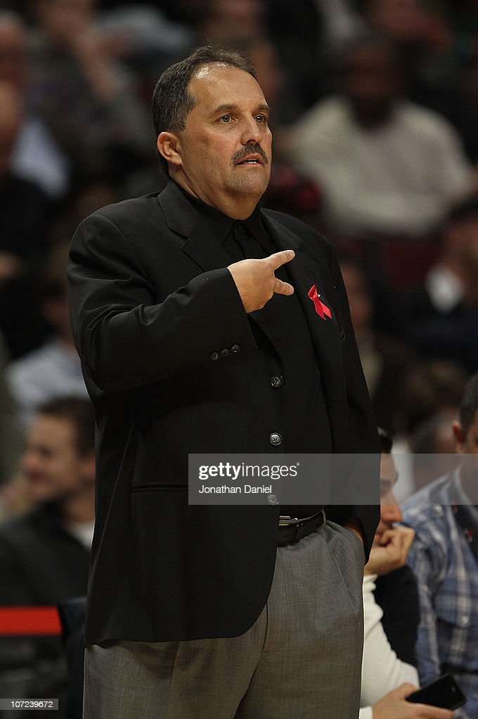 Head coach Stan Van Gundy of the Orlando Magic gives a signal to his team during a game against the Chicago Bulls at the United Center on December 1, 2010 in Chicago, Illinois. The Magic defeated the Bulls 107-78.