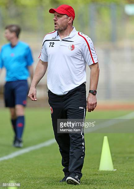 Head coach Steffen Baumgart of Berlin looks on during the Regionalliga Nordost match between Berliner AK and ZFC Meuselwitz at Poststadion on May 15...