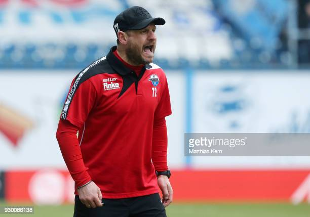 Head coach Steffen Baumgart of Paderborn gestures during the 3Liga match between FC Hansa Rostock and SC Paderborn 07 at Ostseestadion on March 10...