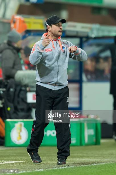 Head coach Steffen Baumgart of Paderborn gestures during the DFB Cup match between SC Paderborn and Bayern Muenchen at Benteler Arena on February 6...