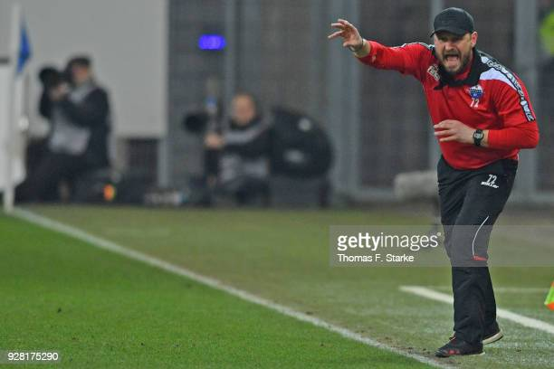 Head coach Steffen Baumgart of Paderborn gives advice to his players during the 3 Liga match between SC Paderborn 07 and 1 FC Magdeburg at on March 6...