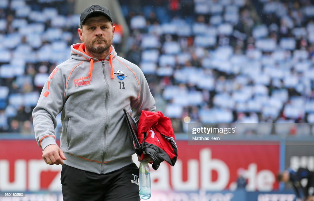 Head coach Steffen Baumgart of Paderborn looks on prior to ...