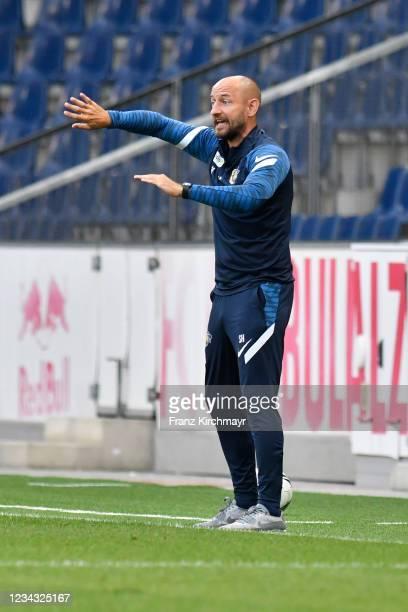 Head coach Stephan Helm of St. Poelten during the 2. Liga match between FC Liefering and spusu SKN St. Poelten on July 30, 2021 in Salzburg, Austria.