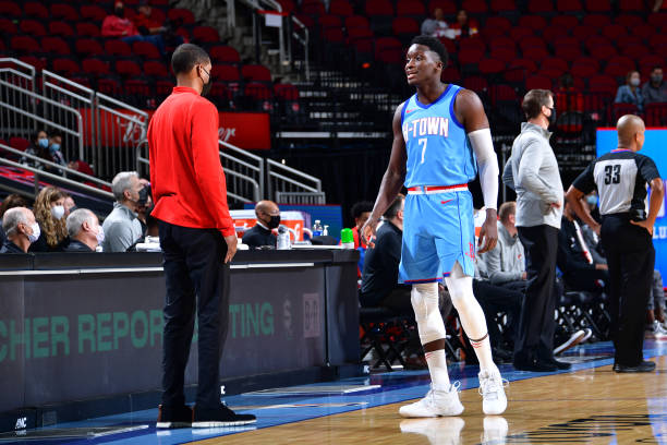 Head Coach Stephen Silas of the Houston Rockets talks with Victor Oladipo during the game against the Portland Trail Blazers on January 28, 2021 at...