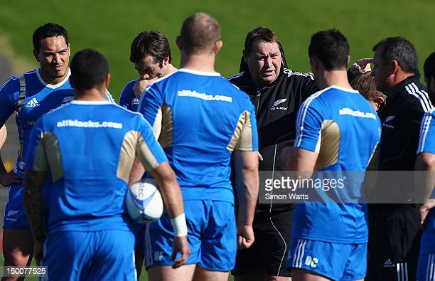 Head coach Steve Hansen talks to players during a New Zealand All Blacks training session at Trusts Stadium on August 10 2012 in Auckland New Zealand