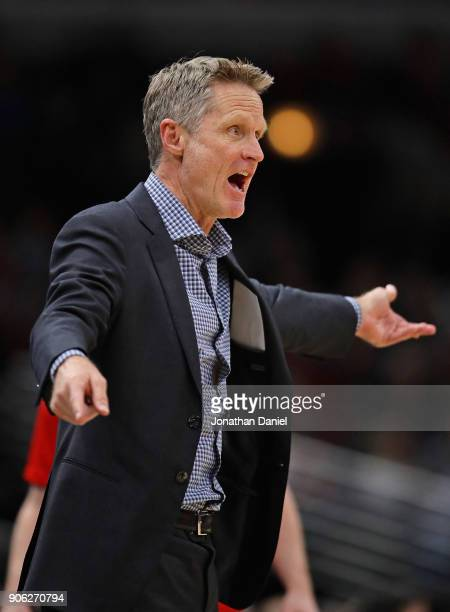 Head coach Steve Kerr of the Golden State Warriors complains to a referee during a game against the Chicago Bulls at the United Center on January 17...