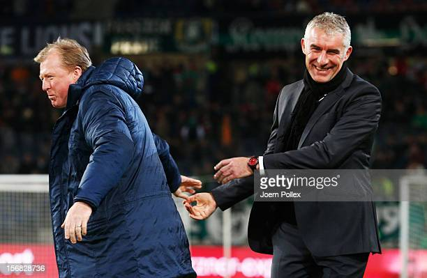Head coach Steve McClaren of Twente and head coach Mirko SLomka of Hannover chat prior to the UEFA Europa League Group L match between Hannover 96...