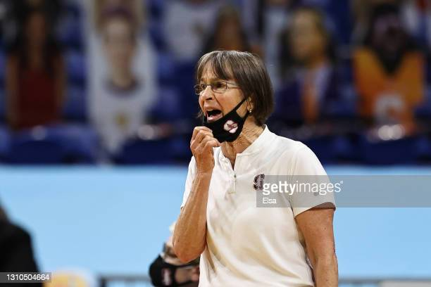 Head coach Tara VanDerveer of the Stanford Cardinal calls out to players against the South Carolina Gamecocks during the first quarter in the Final...