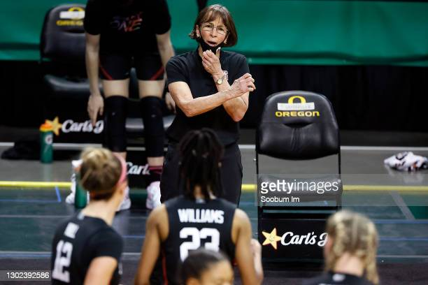 Head coach Tara VanDerveer of the Stanford Cardinal gives direction to her players during the first half against the Oregon Ducks at Matthew Knight...