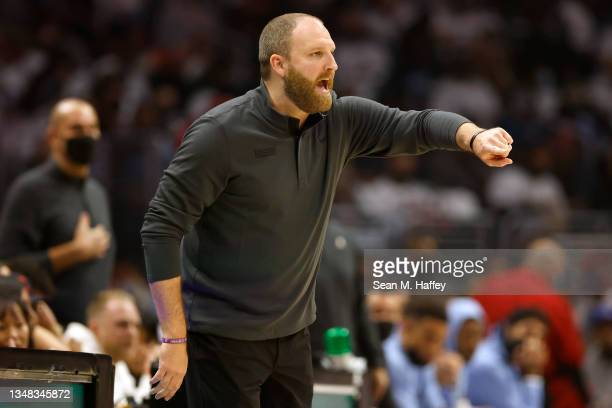 Head coach Taylor Jenkins of the Memphis Grizzlies calls a play during the first half of a game against the LA Clippers at Staples Center on October...