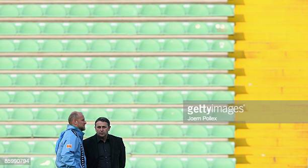 Head coach Thomas Schaaf and Manager Klaus Allofs of Bremen are seen during the training session ahead of Bremens UEFA Cup quarter-final match...