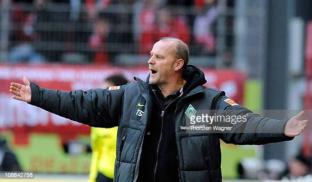 Head coach Thomas Schaaf of Bremen gestures during the Bundesliga match between FSV Mainz 05 and SV Werder Bremen at Bruchweg Stadium on February 5...