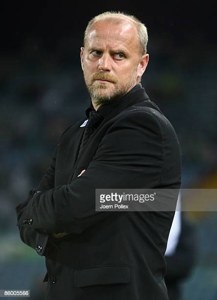 Head coach Thomas Schaaf of Bremen looks on prior to the UEFA Cup quarter final second leg match between Udinese Calcio and SV Werder Bremen at...