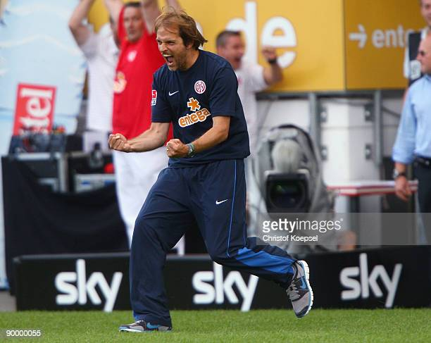 Head coach Thomas Tuchel of Mainz celebrates the 21 victory after the Bundesliga match between FSV Mainz 05 and FC Bayern Muenchen at Bruchweg...