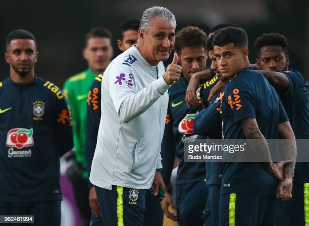 Head coach Tite gestures during a training session of the Brazilian national football team at the squad's Granja Comary training complex on May 25...
