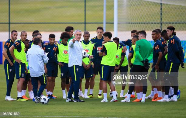 Head coach Tite speaks to his players during a training session of the Brazilian national football team at the squad's Granja Comary training complex...