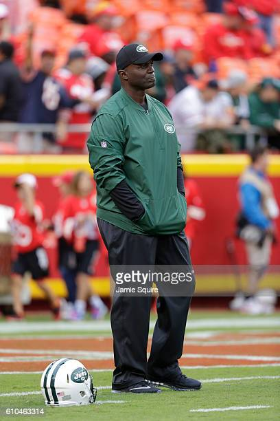 Head coach Todd Bowles of the New York Jets oversees warm ups before the game against the Kansas City Chiefs at Arrowhead Stadium on September 25...