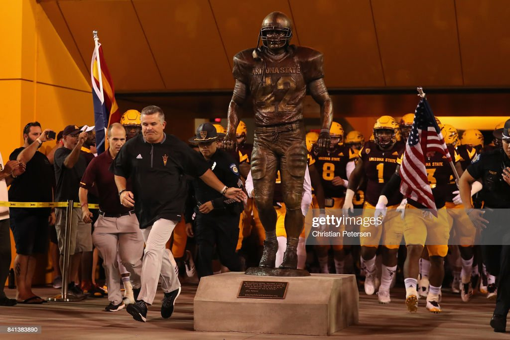 New Mexico State v Arizona State : News Photo