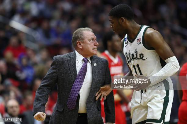 Head coach Tom Izzo of the Michigan State Spartans glares at Aaron Henry after a play during their game in the First Round of the NCAA Basketball...