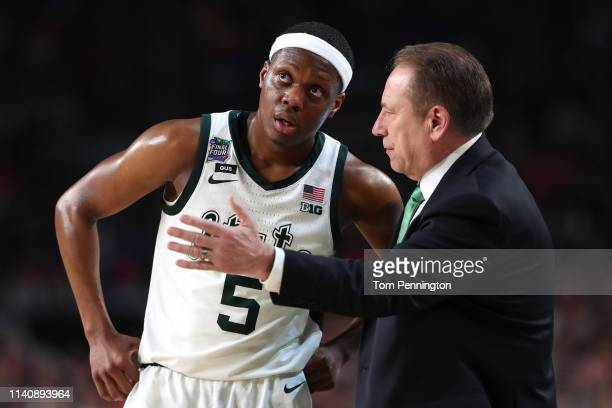 Head coach Tom Izzo of the Michigan State Spartans talks with Cassius Winston in the second half against the Texas Tech Red Raiders during the 2019...